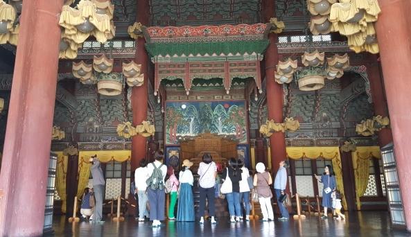 조선 궁궐의 으뜸 전각인 '정전' 내부 개방